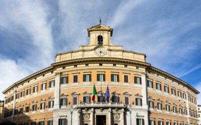 Κρίση το μεσοκαλόκαιρο: πώς η δεξιά έχασε την εξουσία στην Ιταλία